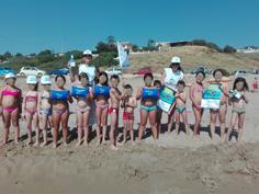 Animatrici Tartaworld in spiaggia a Sciacca con i bambini