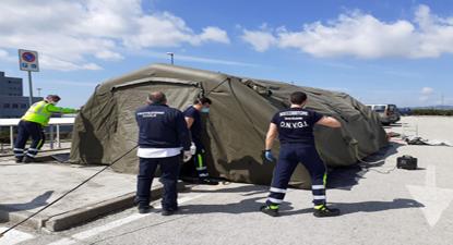 La tenda montata al San Giovanni di Dio dalla Protezione Civile del Libero Consorzio