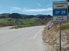 Un tratto della SP n. 29, una delle strade interessate dai prossimi lavori di manutenzione straordinaria.